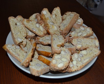 A plate of my cantucci cookies2